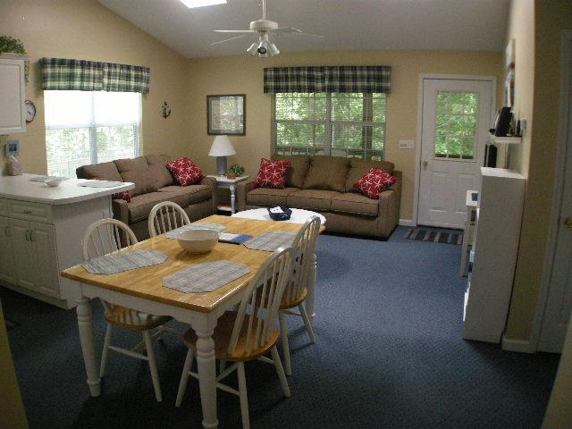 living room/dinnin area - Sample's Place - Monticello - rentals