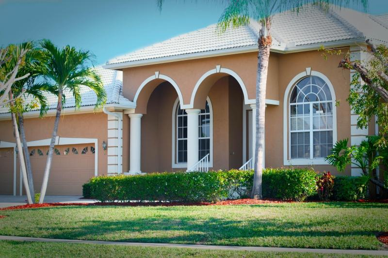 Beautiful 4 Bedroom Next to Tigertail Beach! - Image 1 - Marco Island - rentals