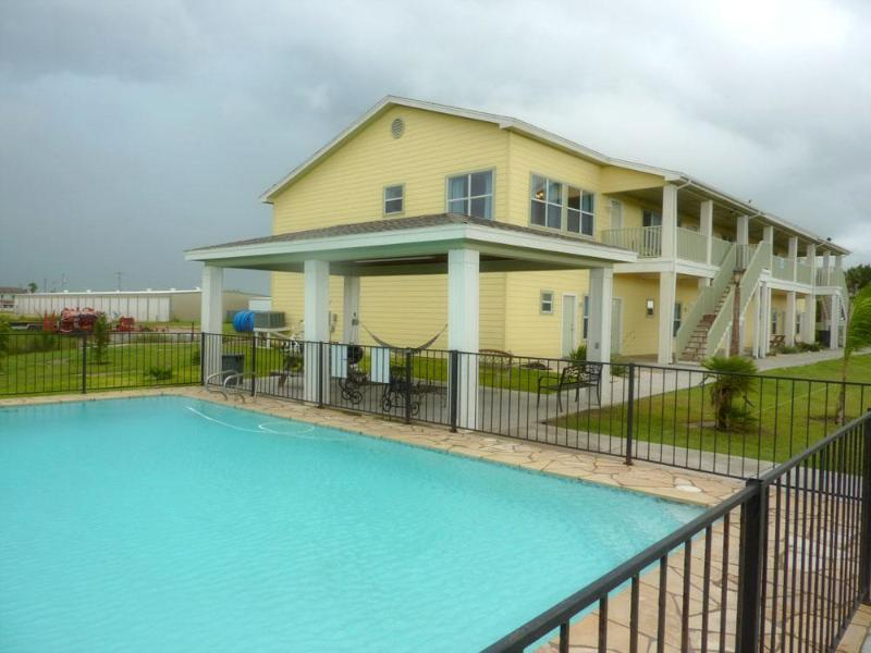Harbor's End Pool View - Waterfront/Harbor's End Condos  Gulf/Bay Paradise - Port Mansfield - rentals