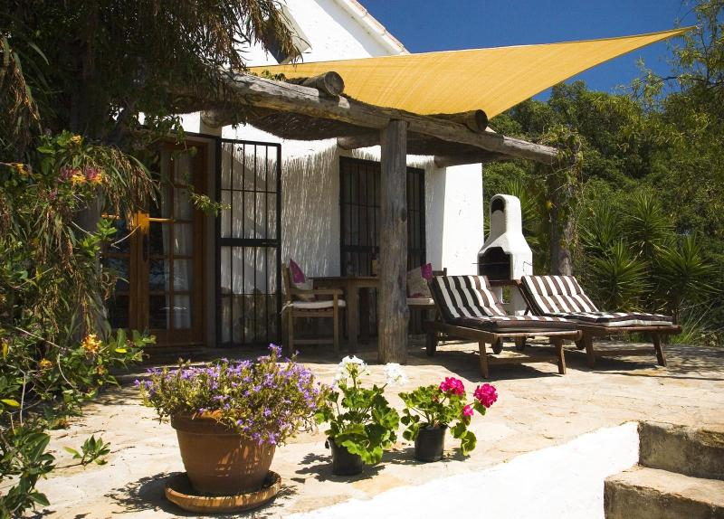 Almendra Casita - private patio & Summer shade sail - Charming Country Casita & pool, by beaches & Vejer - Vejer De La Frontera - rentals