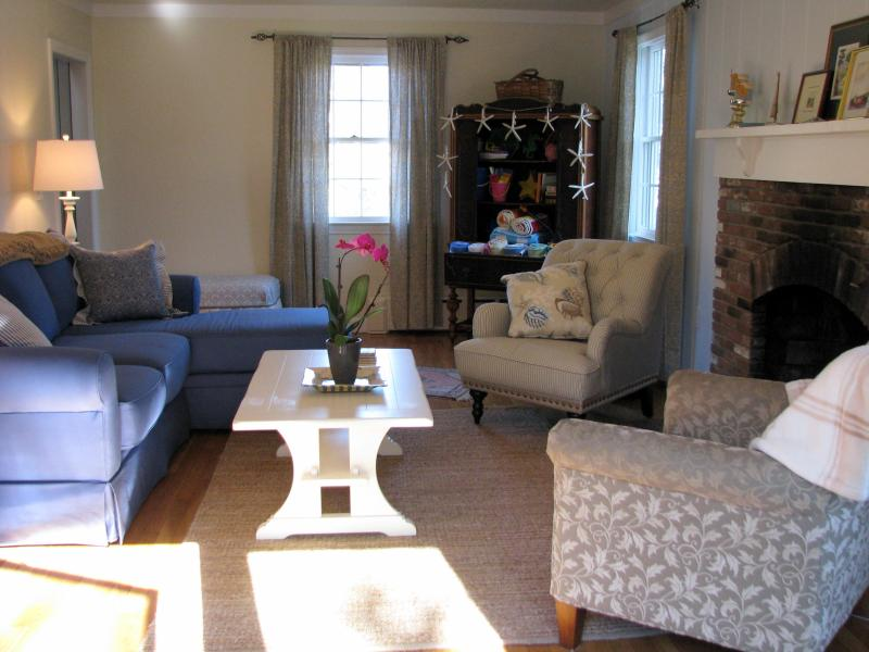 From French Doors - Great UPTOWN Location, 6 blocks to Harbor - Edgartown - rentals