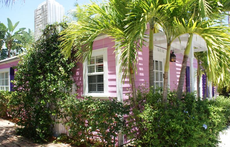 Exterior - Casa Grandview's Native Seagrass Island Cottage - West Palm Beach - rentals
