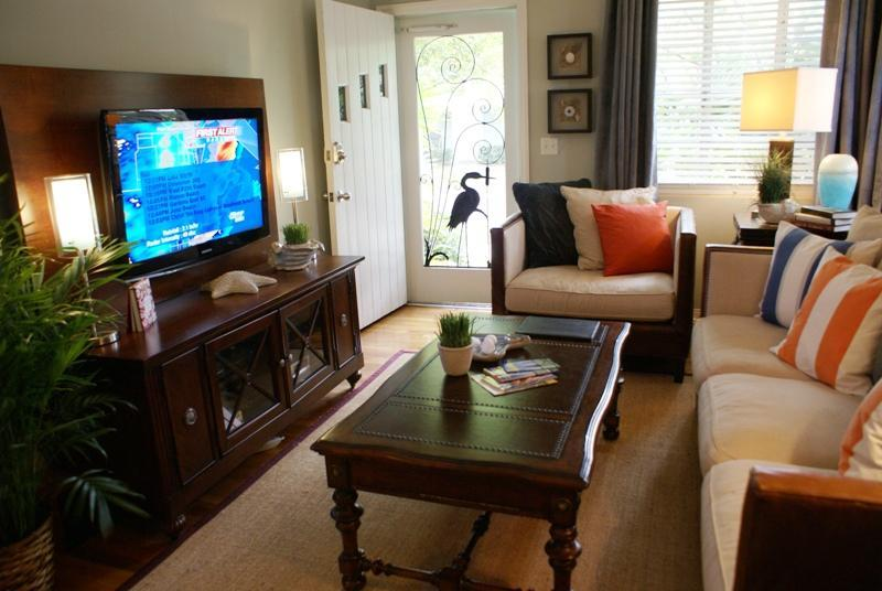 Living Room with hardwood flooring - Casa Grandview Coastal Seaside Cabana Suite - West Palm Beach - rentals