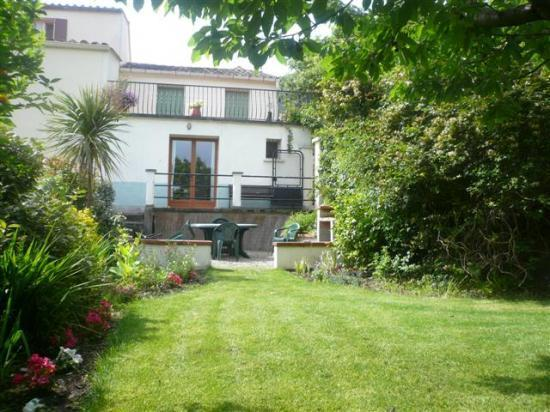 Rear view of house from private garden - Pretty cottage with garden, in Medieval village - Céret - rentals