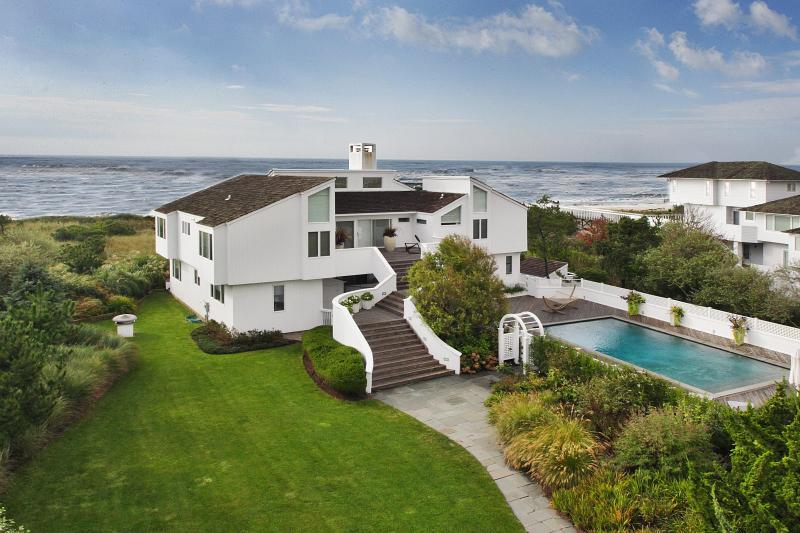 View of the House - Hamptons Oceanfront  Villa with pool and tennis - Quogue - rentals