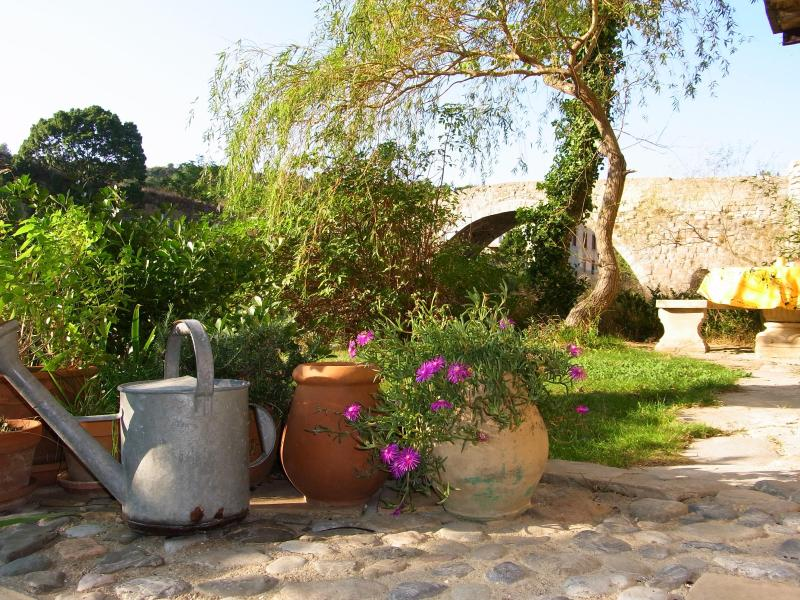 The Riverside garden with river swimming - 3 bedroom luxury apartment, 25 mins Carcassonne - Lagrasse - rentals