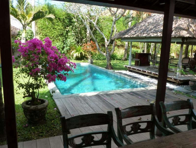 garden and swimming pool - A charming home in a top location - Legian - rentals