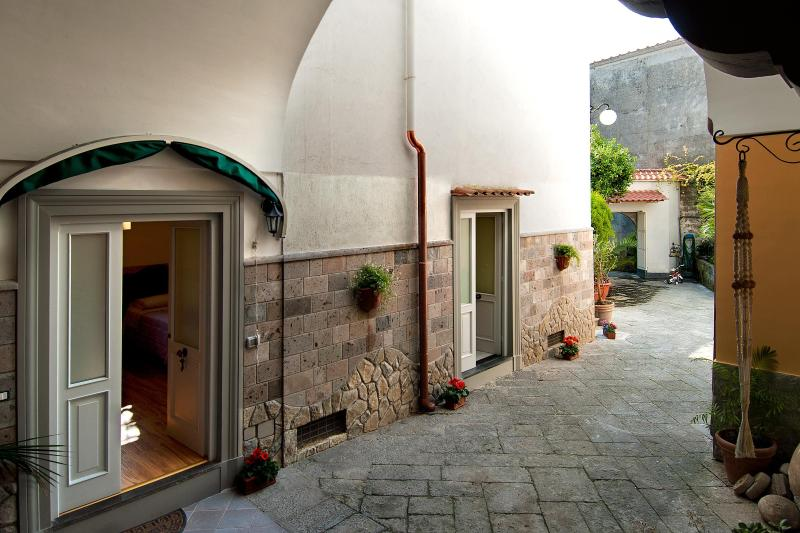 Gio house: Simplicity which makes the difference - Image 1 - Piano di Sorrento - rentals