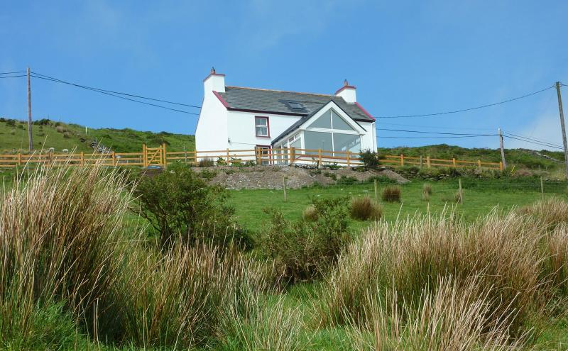 Our Farmhouse - Awesome Views at Cozy Farmhouse near Golf & Beach - Ballinskelligs - rentals