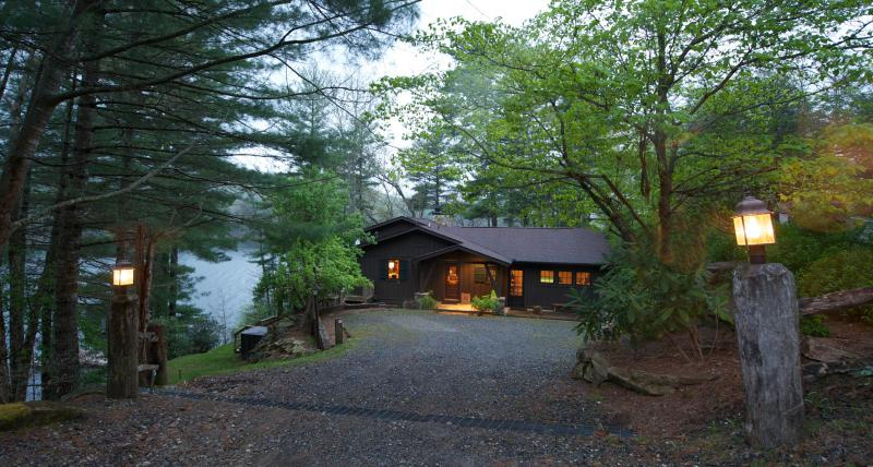 NC GREEN ACRES - Lake Glenville - Image 1 - Cashiers - rentals