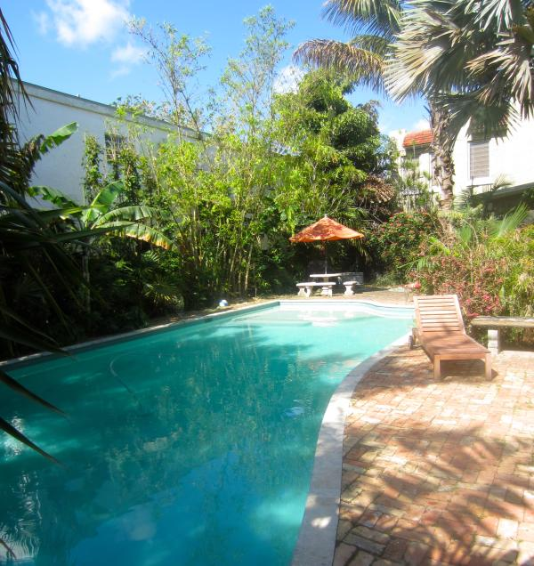 Private pool for your use - Secluded Beach Cottage, inc private beach parking - Miami Beach - rentals