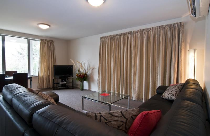 Lounge - Central Wanaka Apartment - Wanaka - rentals