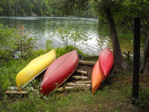 kayak and canoes on beach - Killarney Island - Ontario - rentals