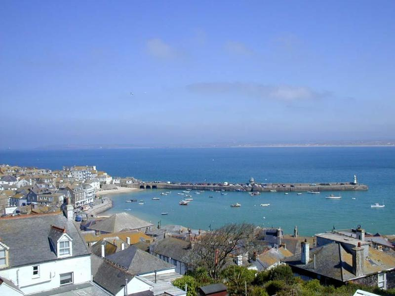 View from Seabirds House - Seabirds & Barnoon. Central St Ives great sea view - Saint Ives - rentals