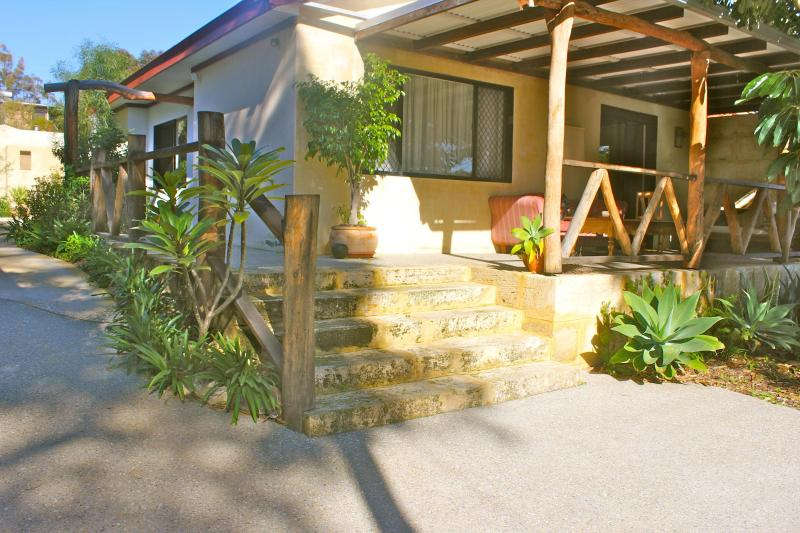 Freostay - The Kraal - Fremantle x 13 peaceful village Kottaj x5 Kraal x8 - Fremantle - rentals