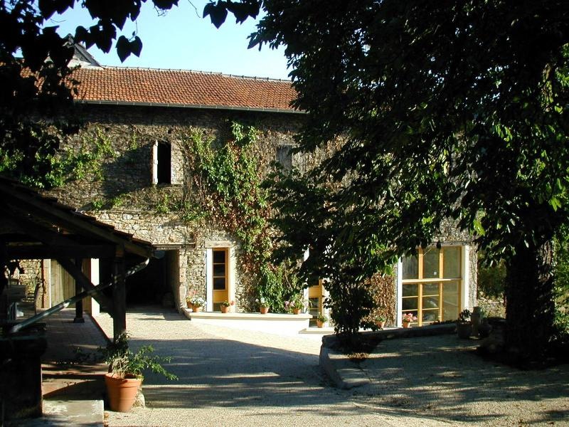 The Barn from the driveway - Modern rural gite in Ambeyrac, South West France - Ambeyrac - rentals