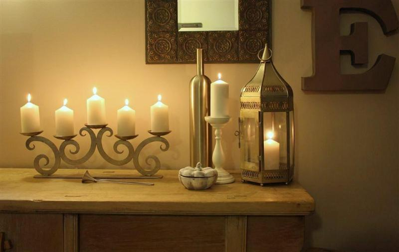 Romantic candle light - Court Room 100 - Port Douglas - rentals