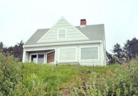 View from beach of West Wind - West Wind Cottage - Oceanside - rentals