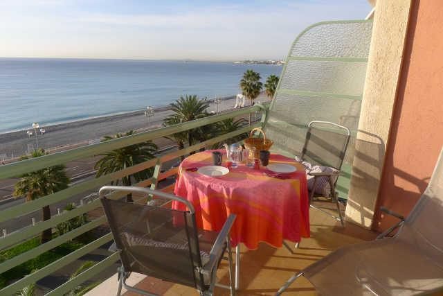 NEPTUNE PLAGE, beautiful seafront appartment - Image 1 - Nice - rentals