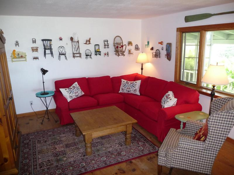 Comfy Livingroom - Cottontail Acres;9 Acres,Ocean View & Beach Access - Manchester - rentals