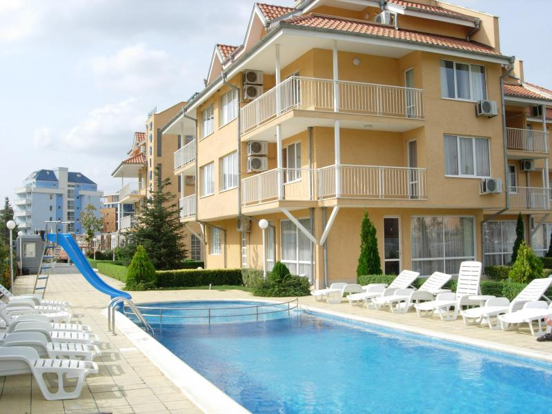 Robinson Gardens - 3 Bedroom, 2 bathroom Apartment in Sunny Beach - Sunny Beach - rentals