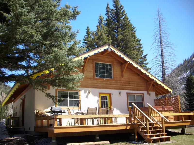 Chalet with large deck overlooking Rio Grande River - Swiss Chalet, Sleeps 10, Hot Tub Starts at $275.00 - South Fork - rentals
