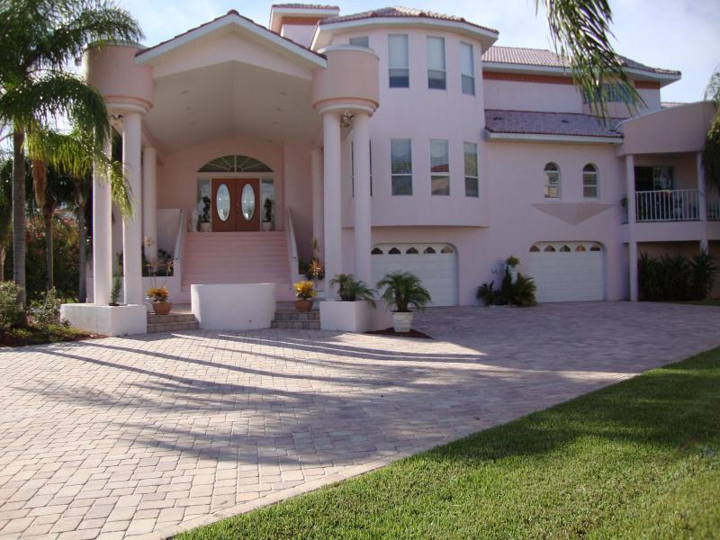 THIS PROPERTY IS NOT AVAILABLE FOR 2012 - Image 1 - Tierra Verde - rentals