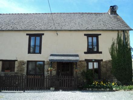 La Ferme du Moulin - Breton Farmhouse with pool. Sleeps 9 in 5 bedrooms - Mohon - rentals