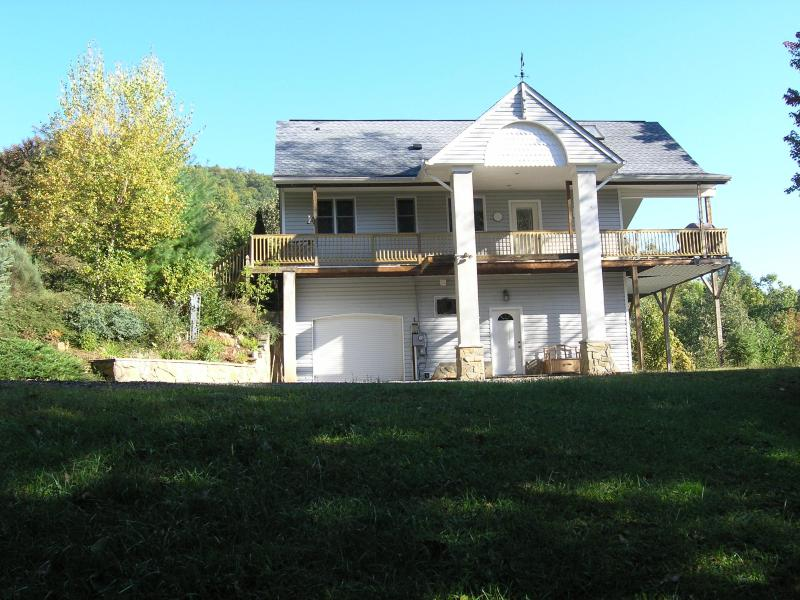 136 Sunrise Lane - Spectacular View from 4,100' in the Smoky Mtns - Waynesville - rentals