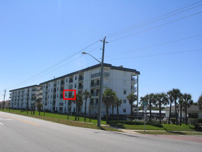Here's the building and our unit outlined in red. - Daytona Beach/Ormond by the Sea, FL - Florida Condo Rental - Overlooks the Atlantic Ocean! - 3rd Fl Oceanfront 2BR/2BA, Wi-Fi, Fun - Ormond Beach - rentals