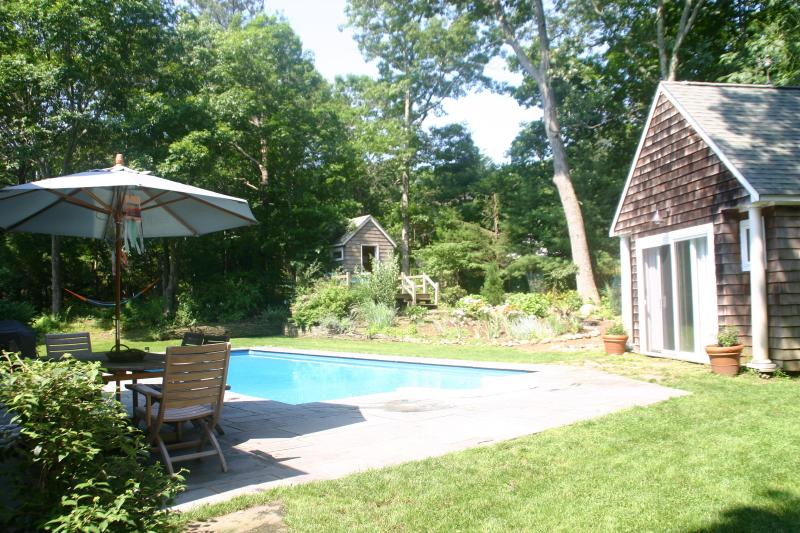 Outdoor dining by the pool - Secluded comfortable EH family home - East Hampton - rentals