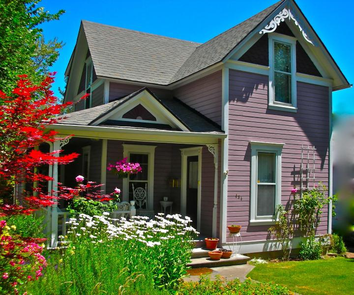 Maxfield's...built in 1903 - 3 bedroom vintage Victorian 12 min. walk to OSF - Ashland - rentals