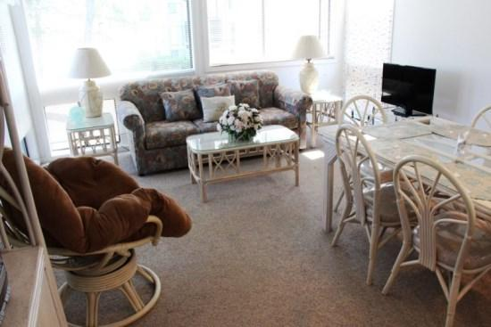 Beautiful Vacation Condo- 2 Swimming Pools - Image 1 - Myrtle Beach - rentals