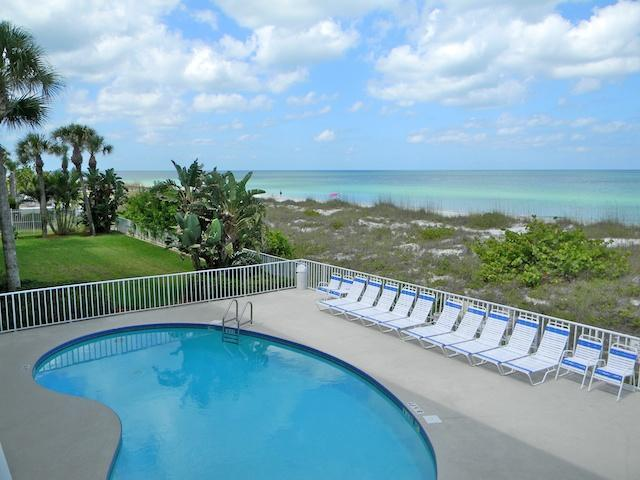 Beachfront pool - 105 Hamilton Beachfront Condo - Indian Rocks Beach - Indian Rocks Beach - rentals