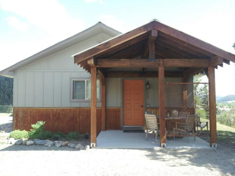 Welcome! - Charming Downtown Getaway: Walk to Hot Springs - Pagosa Springs - rentals