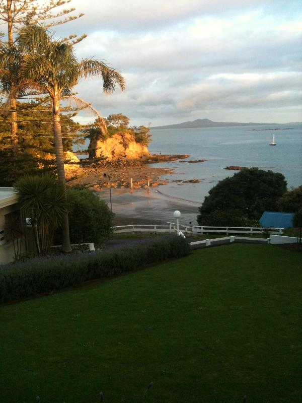 view from the torbay manor - The Torbay Manor - Auckland - rentals