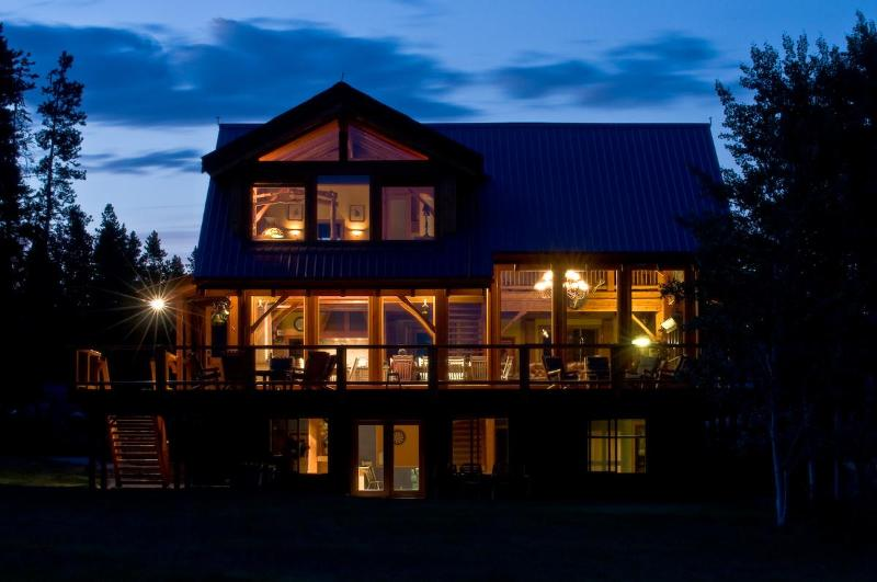 Luxury Wilderness Lodge at Chilko Lake - Image 1 - Alexis Creek - rentals