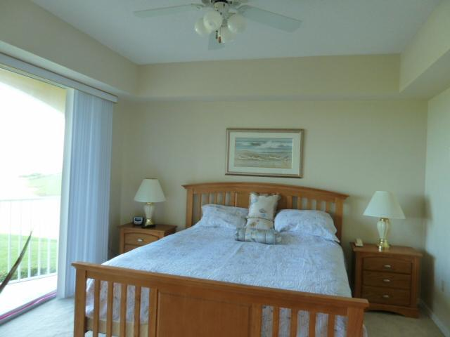 Master Bedroom - Palm Coast Surf Club 1 oceanfront by pool - Palm Coast - rentals