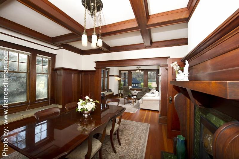 Fabulous Formal Dining Room for Elegant Dinner Parties - Park Place - A Unique Heritage Home by Sea, Downtown & Park - Victoria - rentals