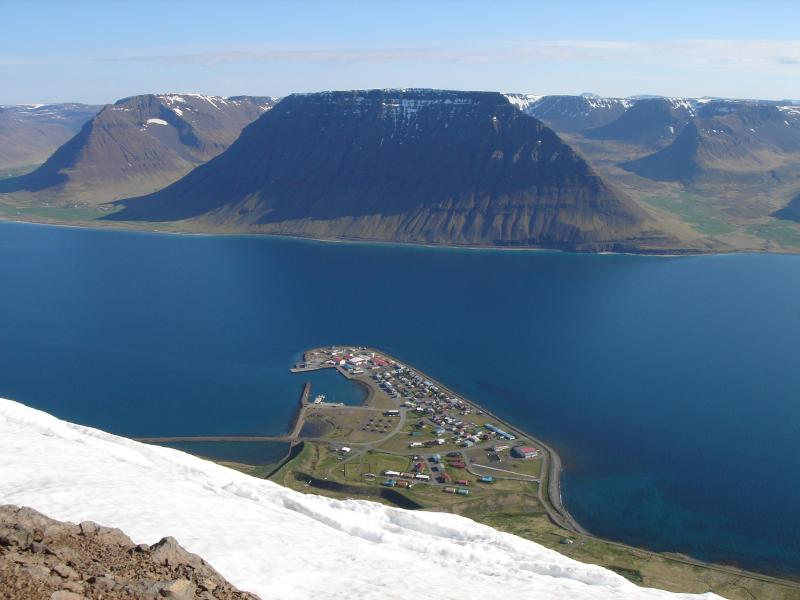 view from mountain above - Peaceful Mountain hideaway in Westfjords, Iceland - Flateyri - rentals
