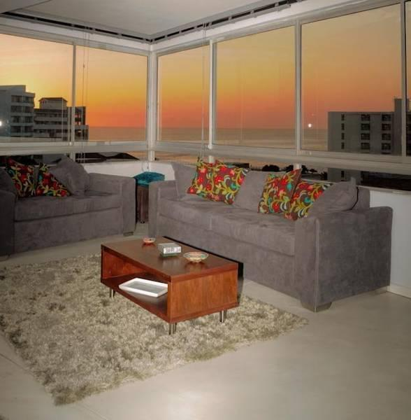 Gorgeous sunset and oceanviews surround the living room - Cape Town Oceanview Gorgeous Apt - Cape Town - rentals