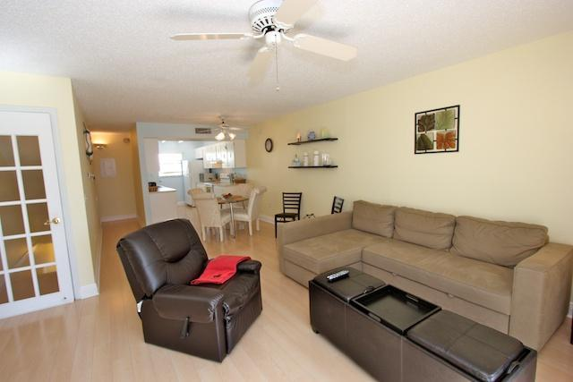 Living Area with Sofabed - Two Bedroom Beach Vacation Townhouse - Indian Shores - rentals