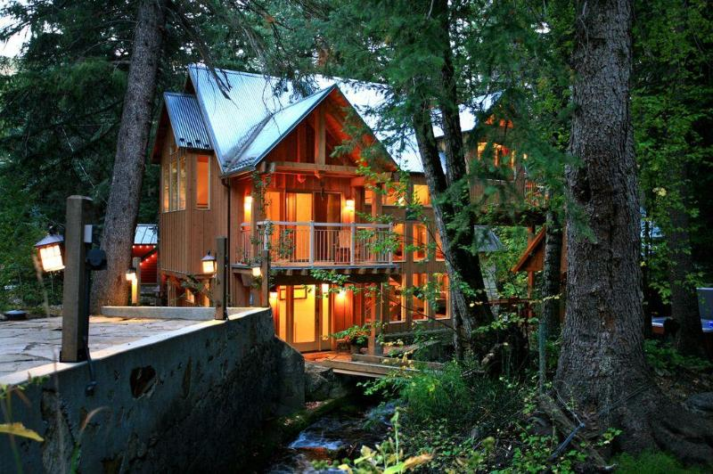 The Stream Runs Past the Front Door - Windows on the Stream**Hot Tub, Walk to Sundance - Sundance - rentals