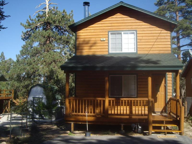 Big Bear Backs to National Forest Sleeps 4 - 6 - Image 1 - Sugarloaf - rentals