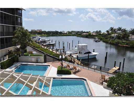 pool overlooking marina,you can rent a boot space for a very reasonable fee - Available 2012 close 2 Ocean/Golf/Boating/Kayaking - Jupiter - rentals