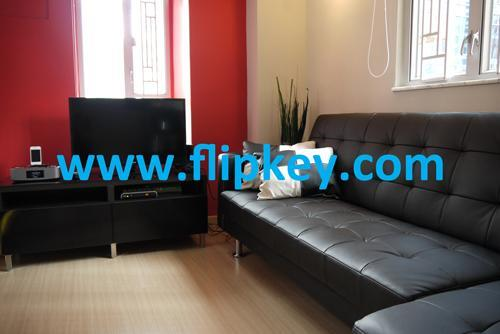Bright and airy living room - New Apt in Soho, Central - BEST location - Hong Kong - rentals