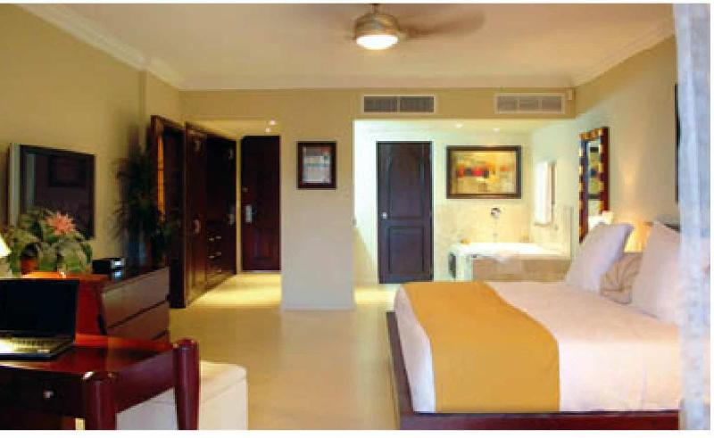 King Size Bed - Cofresi Beach-2 BR Suite at luxury  all inclusive - Puerto Plata - rentals