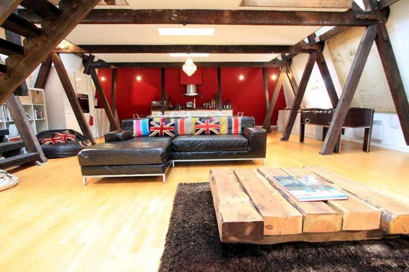 Living space - Hove Penthouse - huge 2 bed in Brighton/Hove - Brighton - rentals
