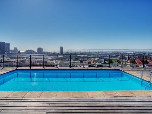 Rooftop Pool - Luxury Four Seasons Top Floor Apartment - Cape Town - rentals