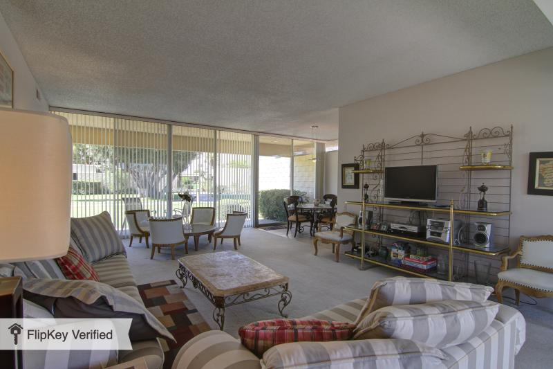 Seven Lakes - Spacious and Bright Living Room  - Spacious and Bright Resort Condo - Ideal Location - Palm Springs - rentals